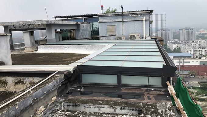 西郡兰庭钢结构玻璃房
